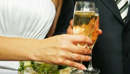How to make a Toast on your Wedding Day